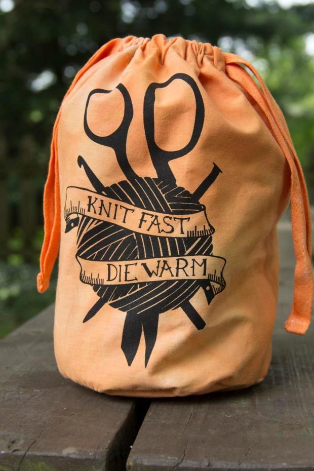 Knit Fast, Die Warm- orange bag